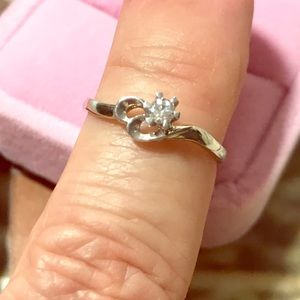 Gorgeous size7 Sterling .925 Promise Ring pretty💕
